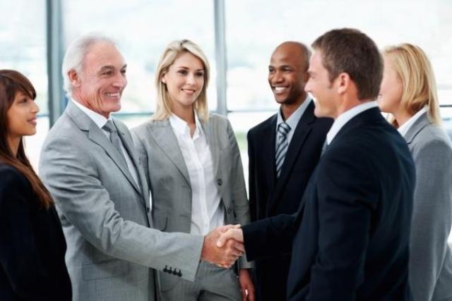Как строить отношения со старшими на работе?