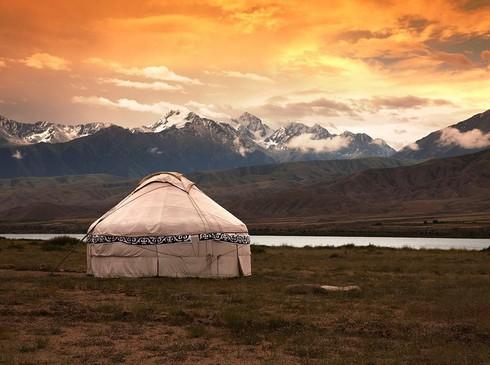 Путешествие по сакральным местам планеты с Евгением Койновым: Иссык-куль и Иссык-Ата.